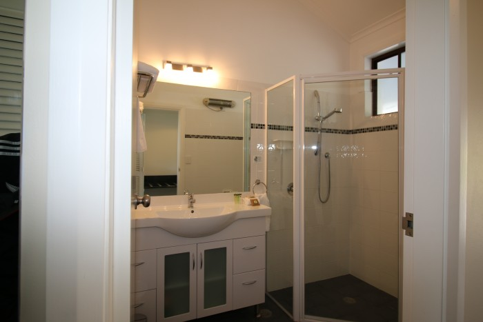 Luxurious Bathroom Ensuite at Moore Park Inn